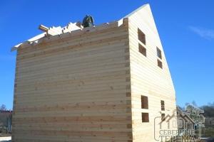 Срезали фронтоны по диагонали крыши, монтаж внутренних перегородок
