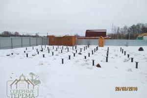 Готовое свайное поле для строительства дома из бруса