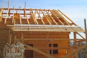 Гидропароизоляция и обрешетка крыши террасы крупным планом