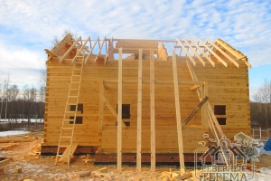 Стропила ставятся с небольшим шагом для надежности конструкции