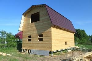 Дом с мансардой под металлочерипицей