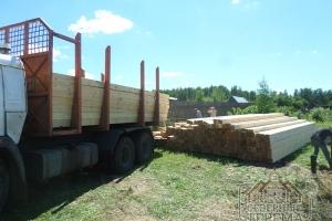 Доставка бруса грузовым транспортом