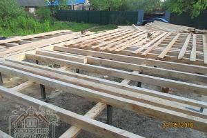 Подготовка чернового пола деревянного дома