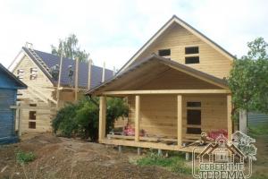 Между тем, 2-ой дом уже собран, кроем крышу металлочерепицей
