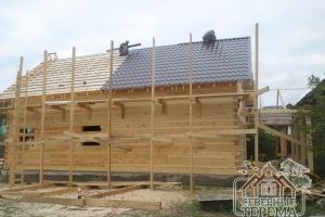 Монтаж металлического уголка на конек крыши бригадой компании