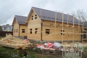 Монтаж снегоуловителей на крышу второго строящегося дома