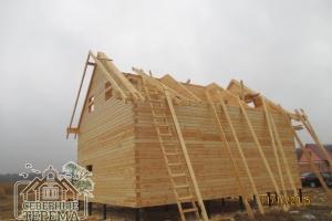 Заканчиваем собирать второй этаж деревянного дома по проекту ДН-54