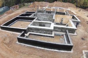 Ленточный фундамент для строительства дома с цокольным этажом