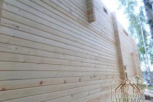Ровная внешняя стена брусового дома