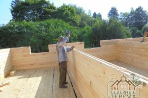Забивание деревянных нагелей (укрепляют конструкцию)