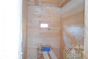 Обшивка стен маленького помещения закончена
