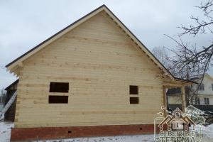 Фронтоны деревянного дома из профилированного бруса