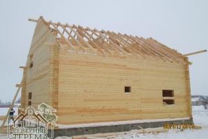 Установлена стропильная система крыши