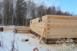 Угловое крепление деревянного дома из бруса