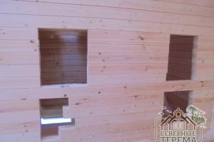 Здесь будут двери в 2 небольших помещения по проекту