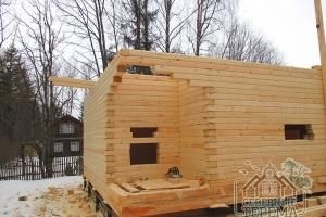 Здесь будет размещен вход в дачный деревянный дом