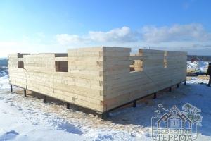 13 рядов дома из обрезного бруса на свайно-винтовом фундаменте