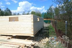 Сборка дома ведется на деревянные нагеля из березы