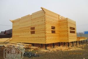 Вынос крыши позволяет защитить дом от воздействия осадков