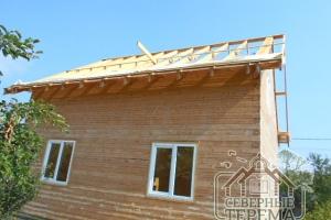 Крыша уже готова. Никакие осадки теперь не страшны этому дому