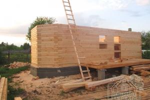 Первый этаж дома построен, приступаем ко второму
