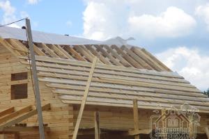 Обрешетка крыши и гидропароизоляция. Крупный план