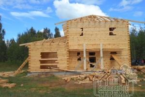 В будущем крыша защитит дом от влажности