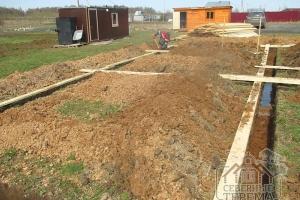 Ленточный фундамент - отличное решение для деревянного дома