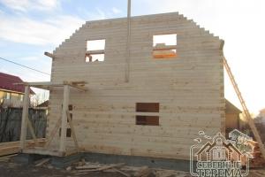 Профилированный брус - это легкий и прочный древесный материал