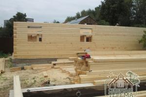 17 рядов 1 дома построено, между тем, готов фундамент 2 дома