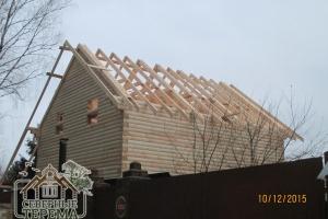 Вынос крыши, собранные стропила двухскатной крыши