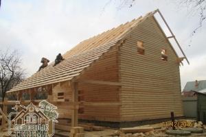 Впоследствии крыша будет покрыта металлочерепицей