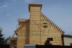 Брусовой дом с башней