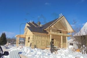 Дом из бруса под металлочерепицу