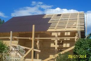 Покрытие второго ската крыши ондулином