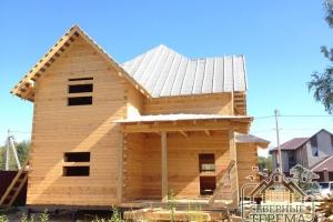 Общий вид построенного дома из проф. бруса