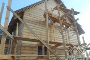 Закончили отделку фронтона деревянным сайдингом