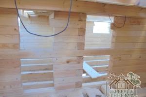 Второй этаж в процессе строительства дома из проф. бруса